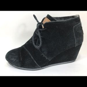 Toms Black Suede Wedge Ankle Boots Sz 6M